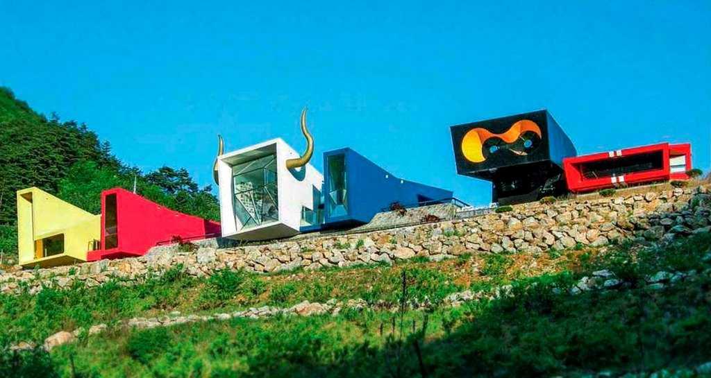 Дома в стиле постмодернизм