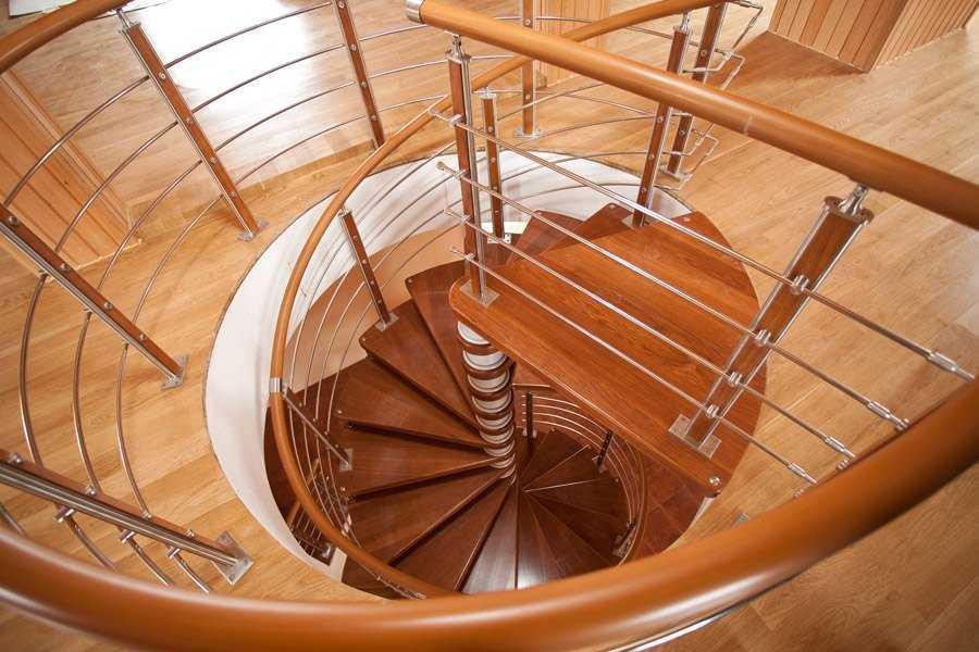 Полимерный-поручень-лестницы