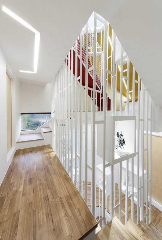 Лестница в необычном доме