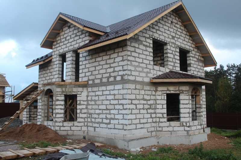 фасад дома из пеноблока