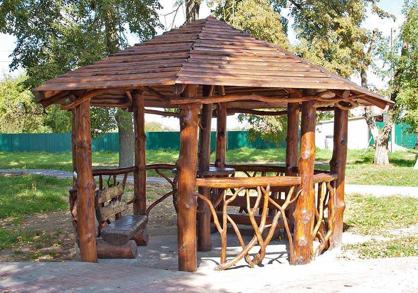 построить деревянную беседку