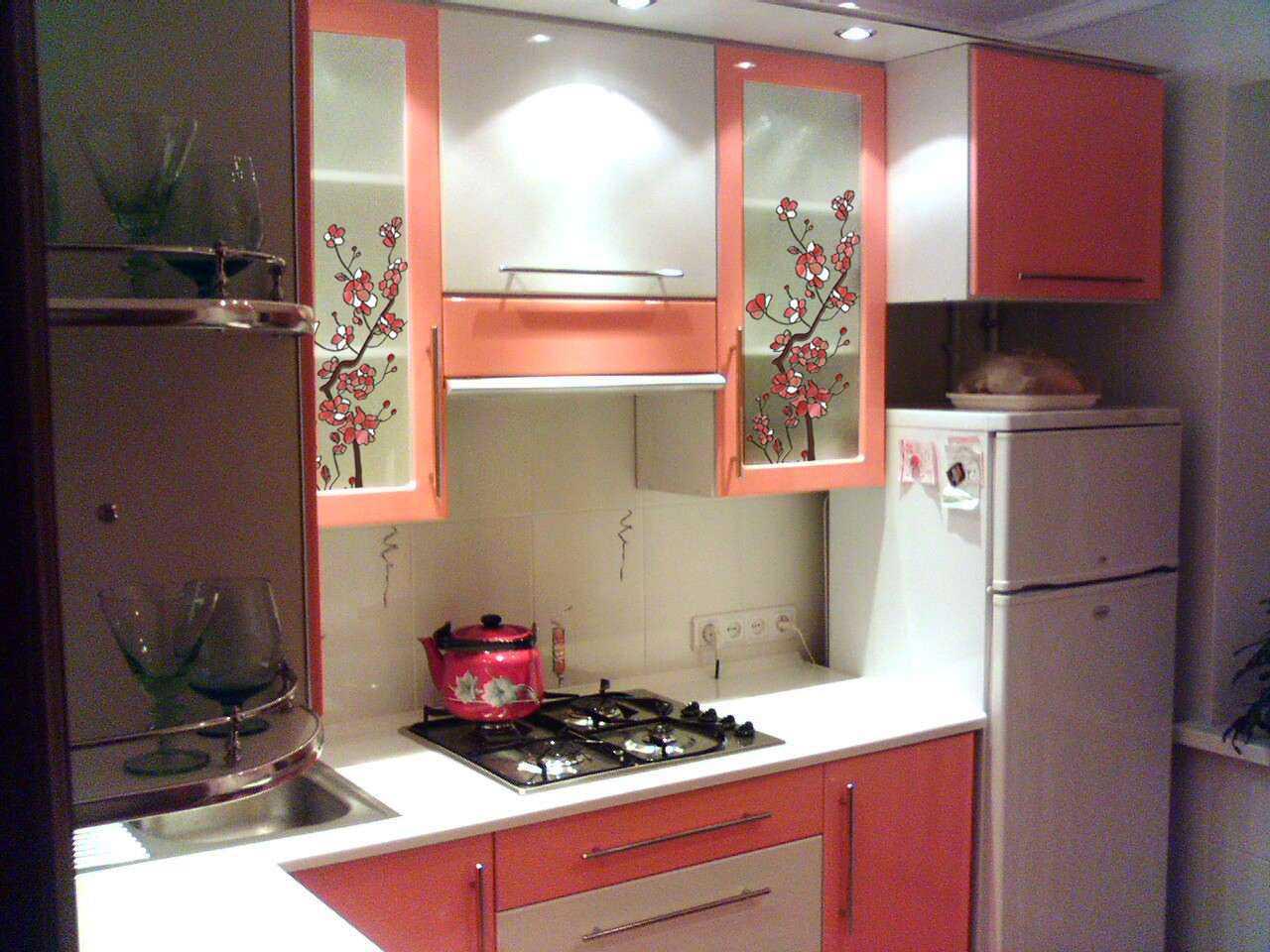 витраж в кухонной мебели
