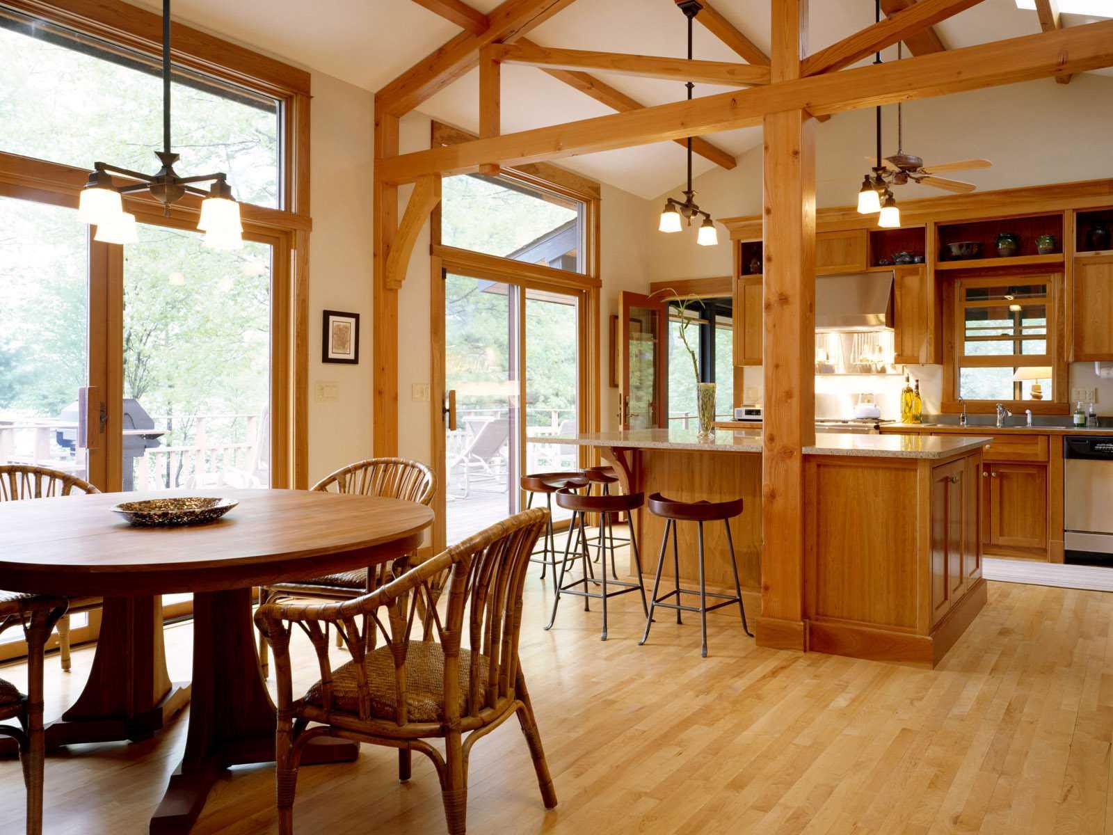 большие деревянные окна