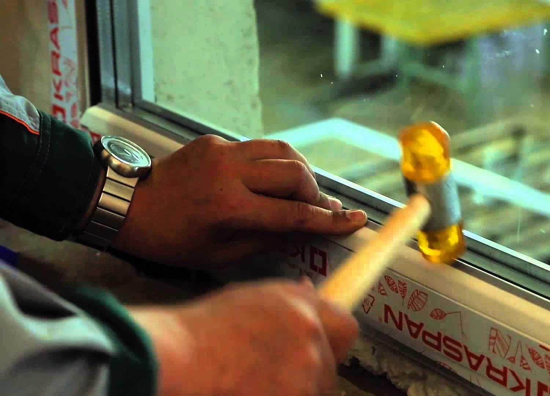установка штапиков стеклопакета