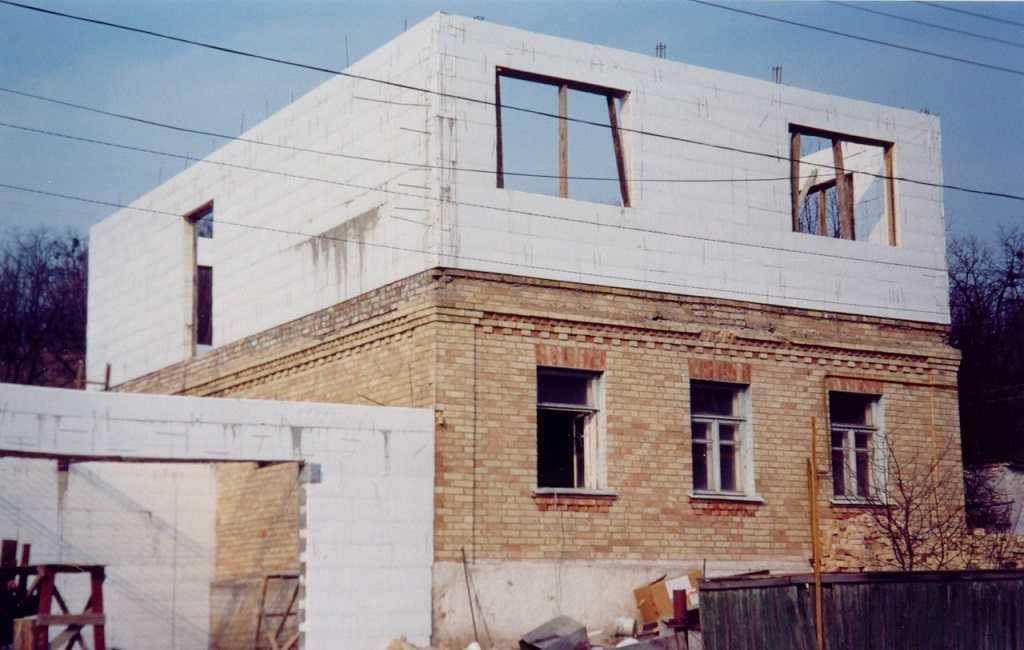 надстройка второго этажа дома