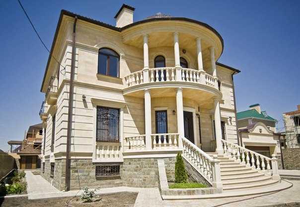фасад дома натуральным камнем