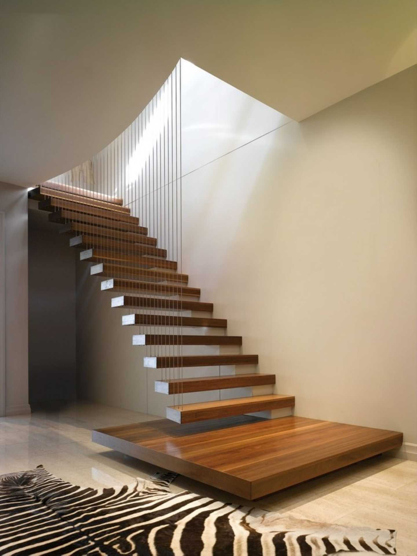 лестница консольная из дерева