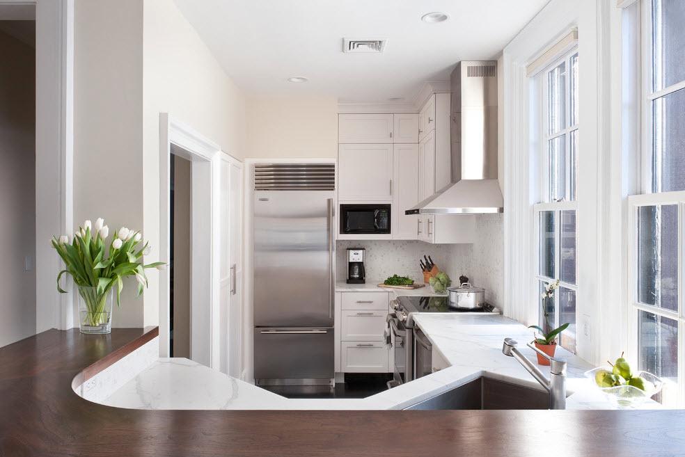 Холодильник как часть интерьера кухни