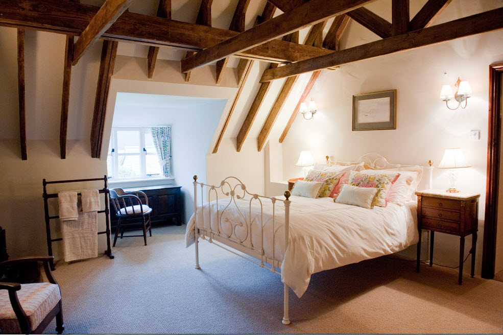Кованная кровать для спальни