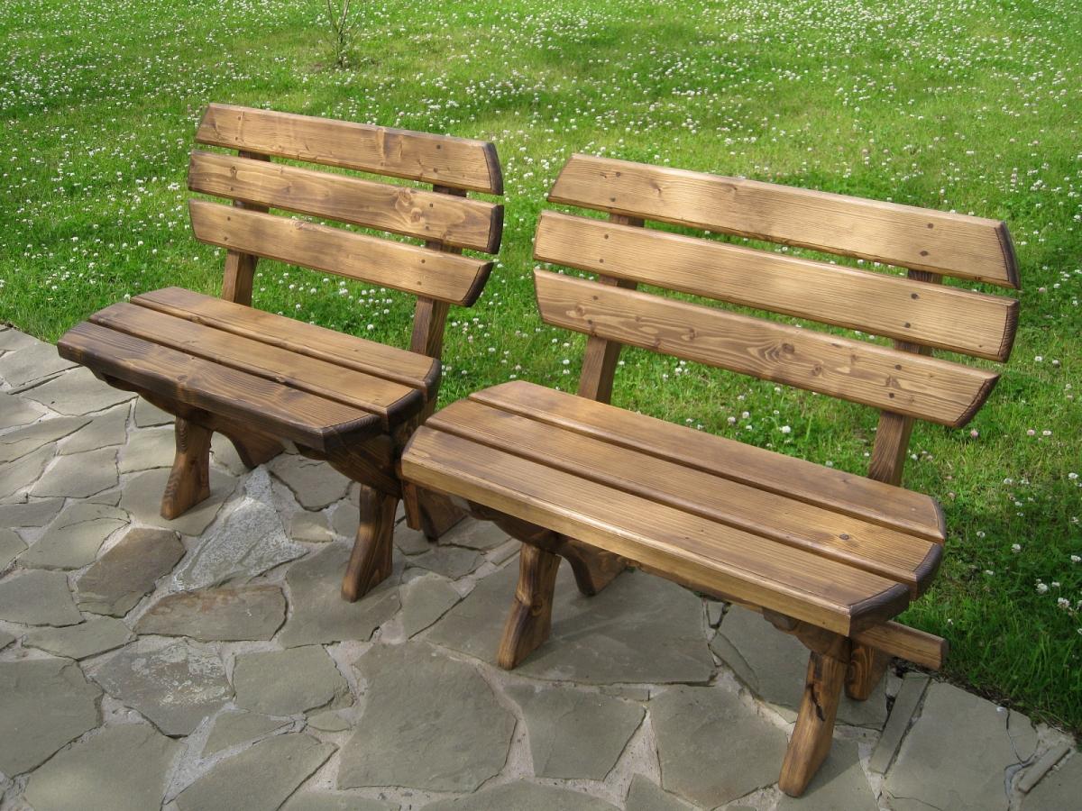 Как выбрать мебель из дерева для дачи