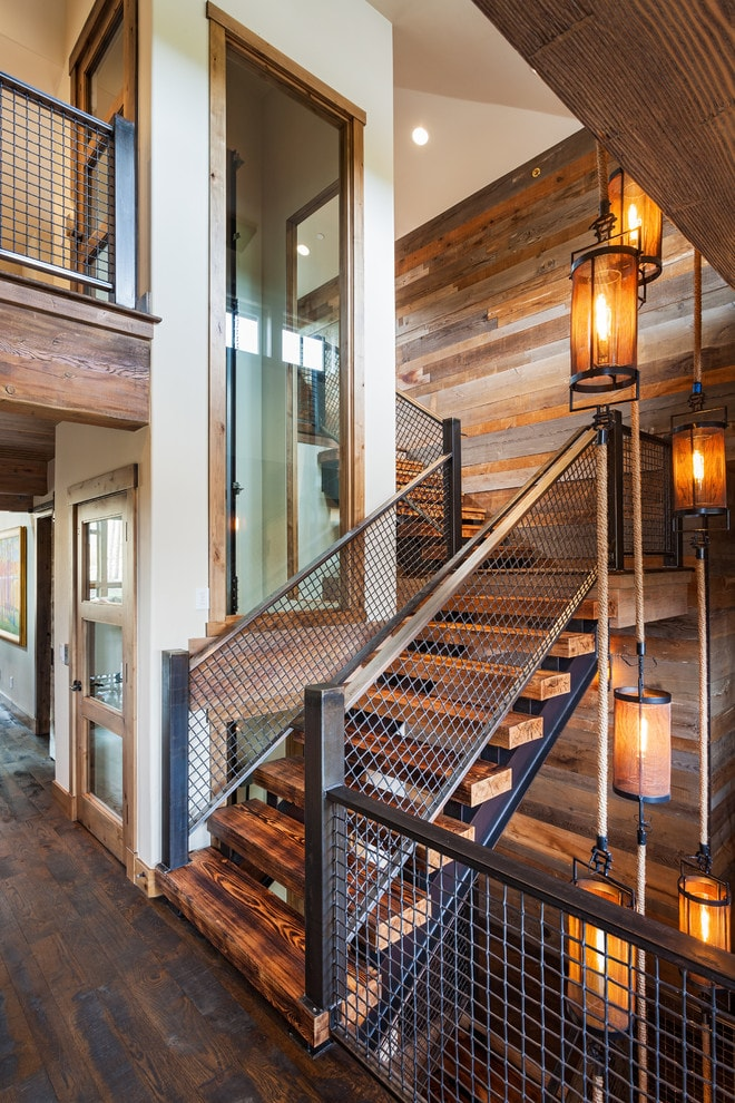 Лестница в деревянном доме 1