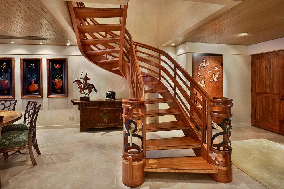 Лестница в деревянном доме 11