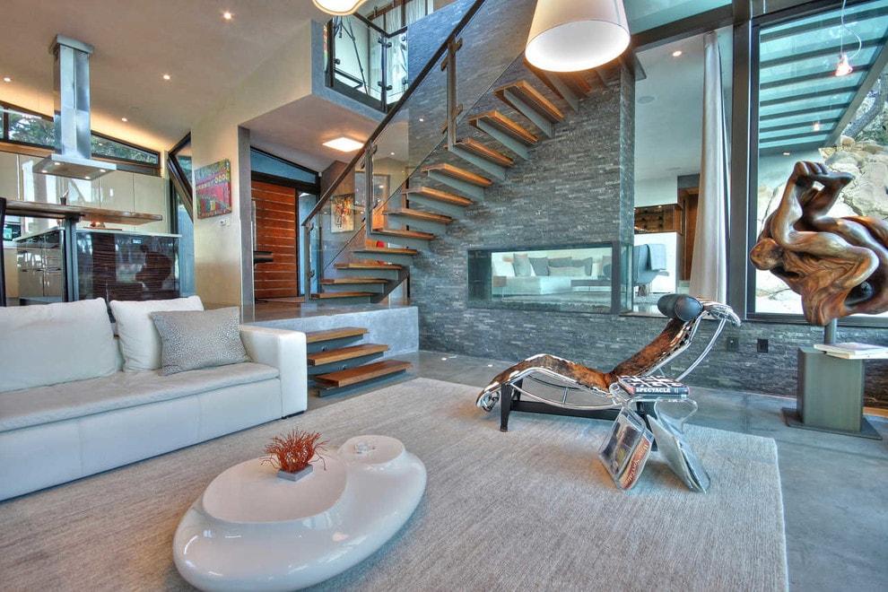 Лестница в деревянном доме 6