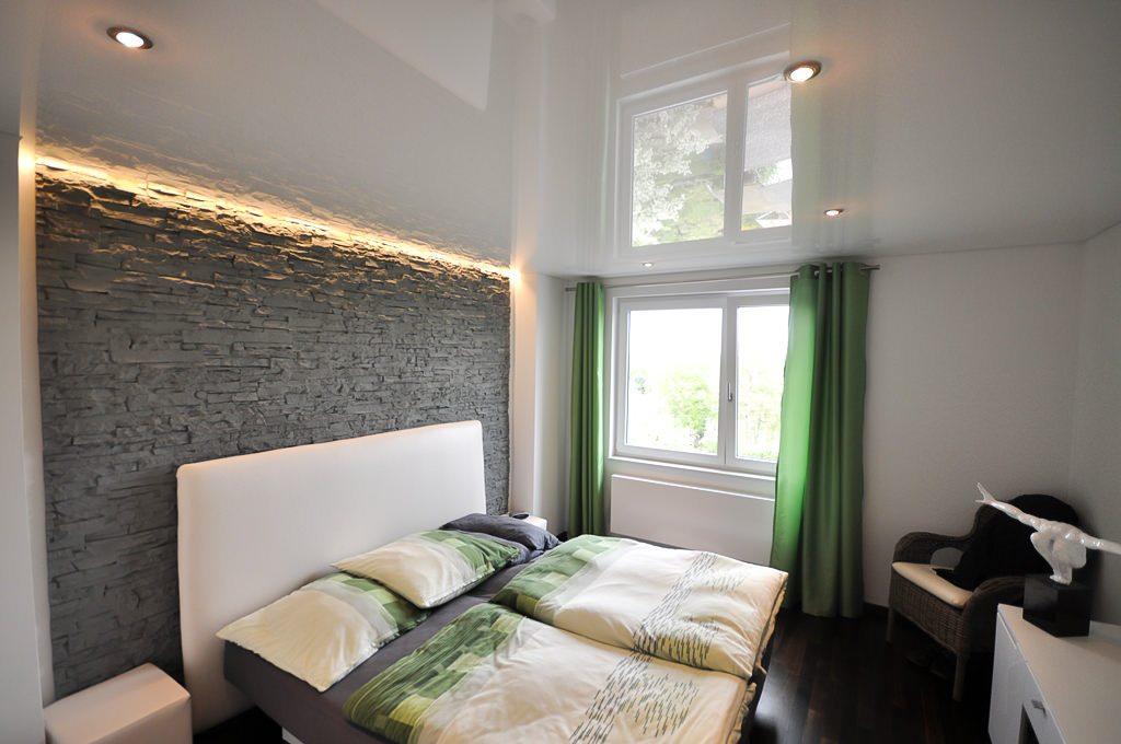 Натяжной потолок для спальни 1