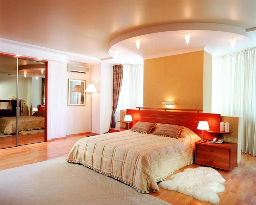Натяжной потолок для спальни 11
