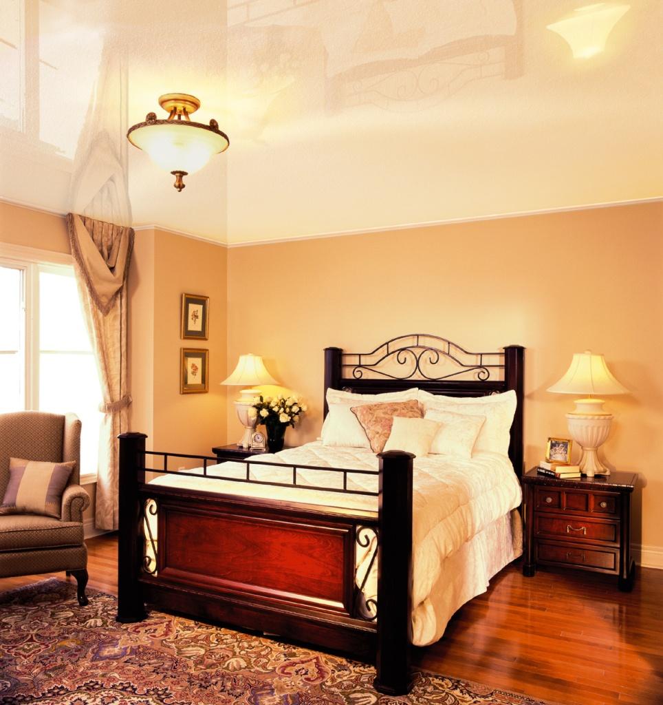 Натяжной потолок для спальни 3