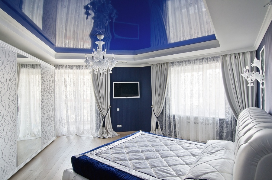 Натяжной потолок для спальни 5