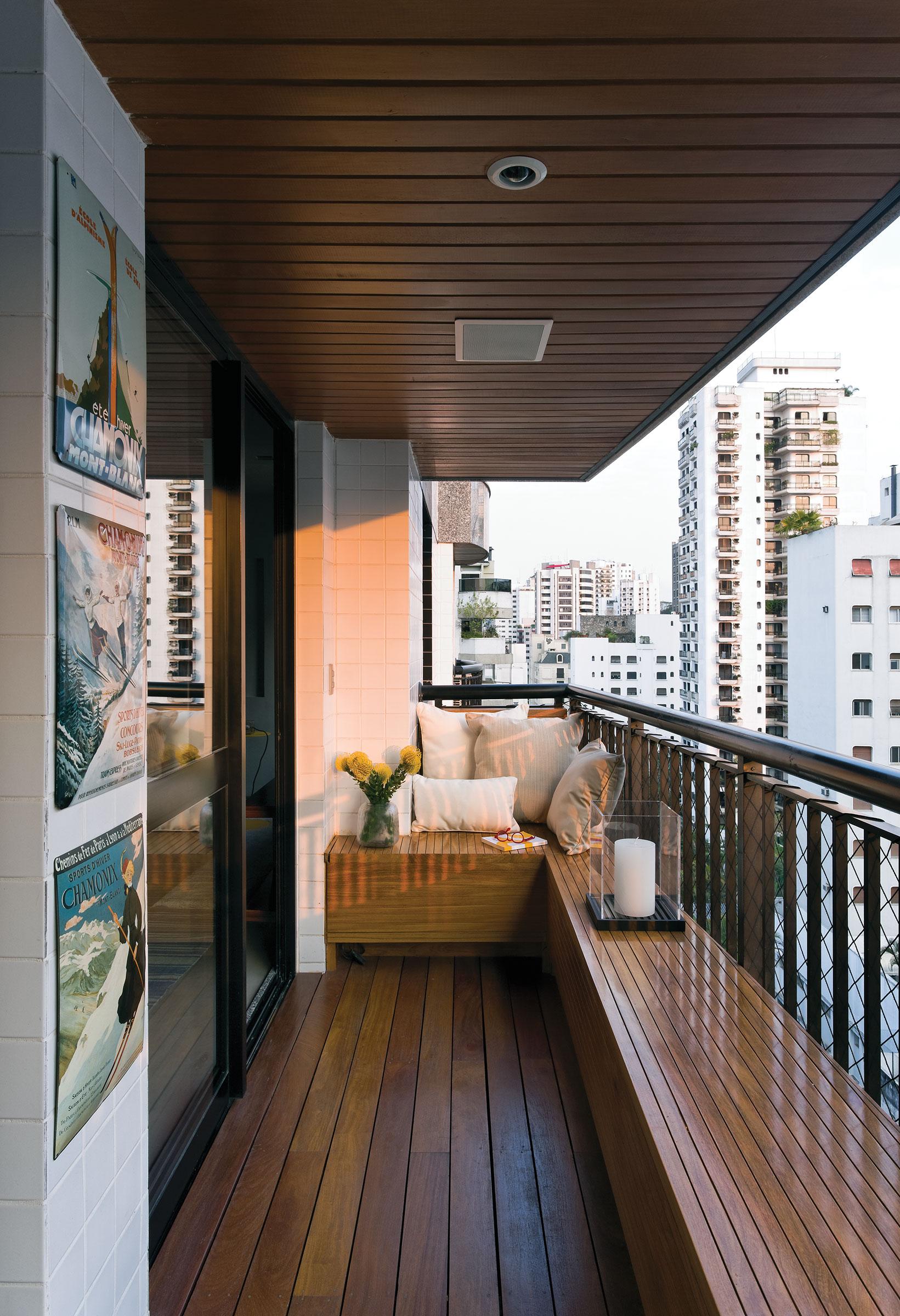 Внутренняя отделка балкона 1