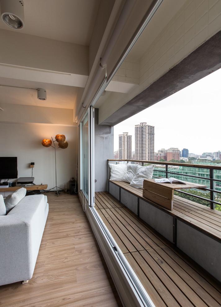 Внутренняя отделка балкона 8